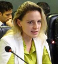 Dr Alisa